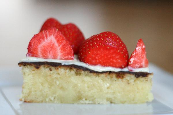 Alletiders Kogebog Jordbærtærte jordbærtærte med marcipan | boode.canpu.se