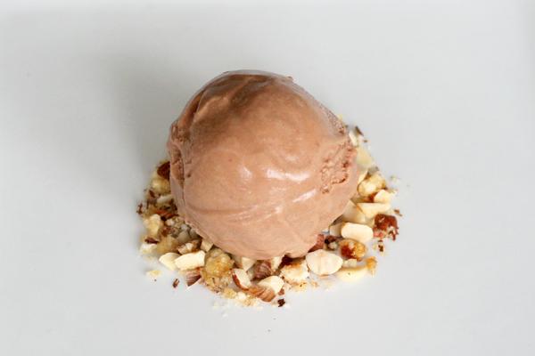 Chokoladeis på minimælk og mælkechokolade