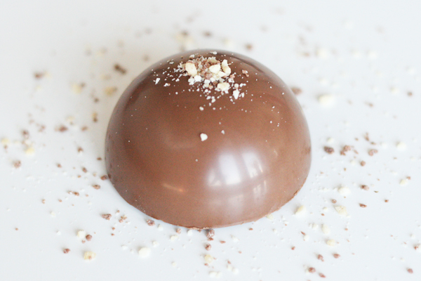 Chokoladebomber med chokolademousse - praline - hasselnødder