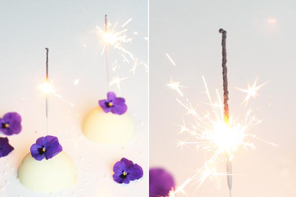 Nytårsdessert: mousse bombe med hvid chokolade og citron