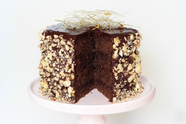 Chokoladekage med hasselnøddepraliné