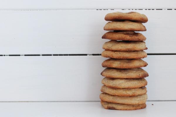 Julecookies med nougat, marcipan, kanel, kardemomme og nelliker