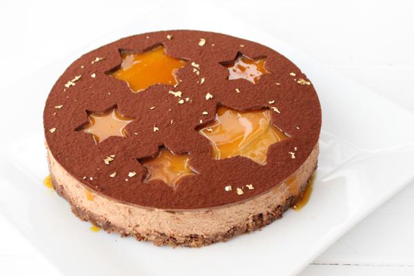 Moussekage med mælkechokolade og passionsfrugt