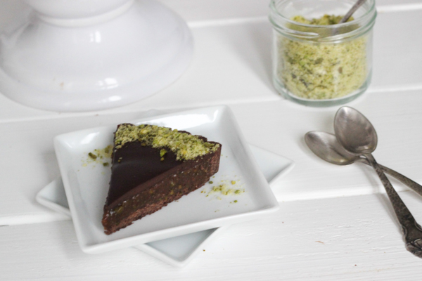 Chokoladetærte med pistaciepraliné