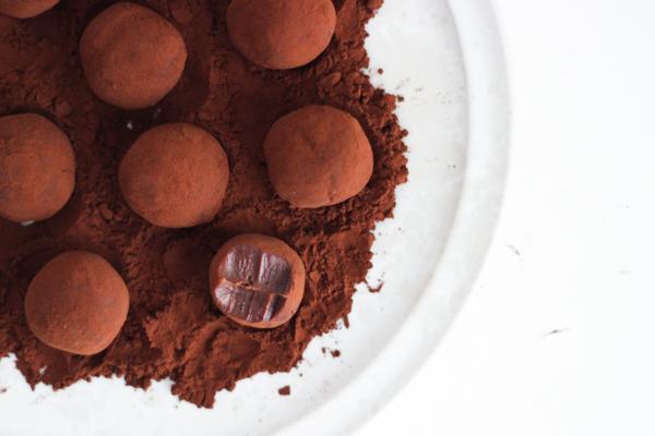 Chokoladetrøfler med saltkaramel