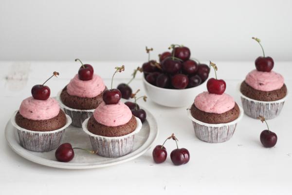 Kirsebær cupcakes med Amaretto