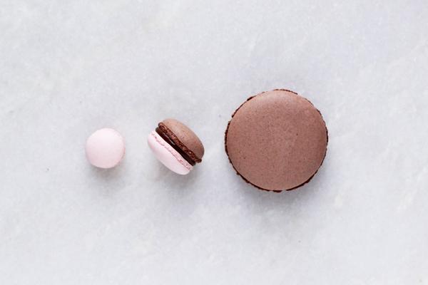 chokolademacarons hindbærmacarons