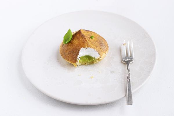 limetærte med brændt marengs