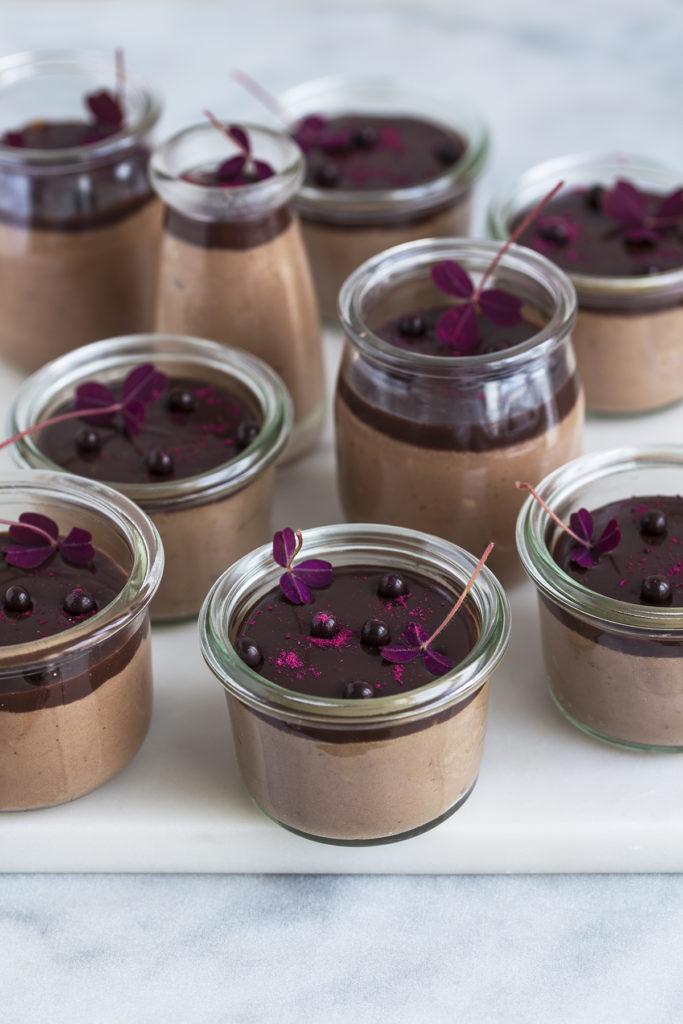 Chokolademousse med hasselnødder
