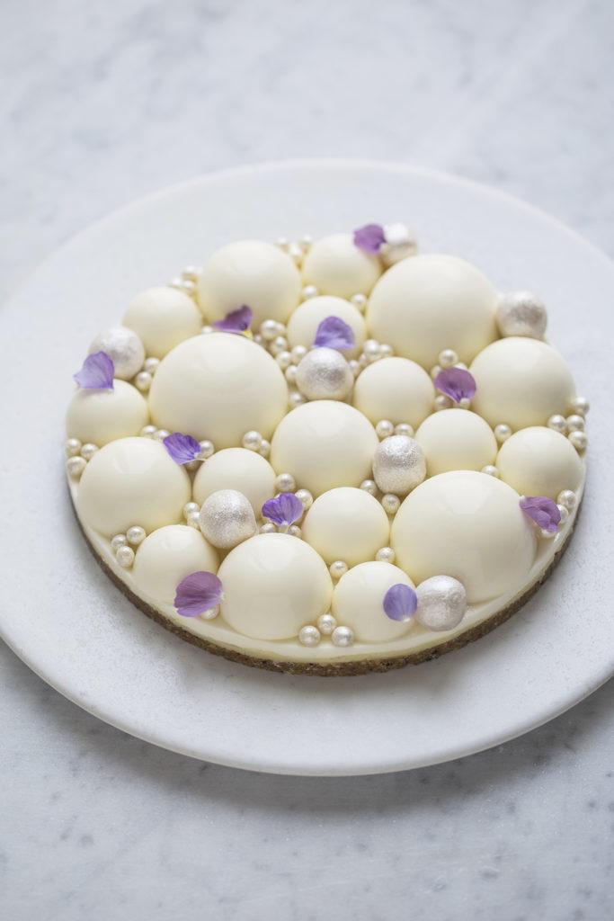 Nytårskage vinterkage citronmoussekage med hvid chokolade og lakrids